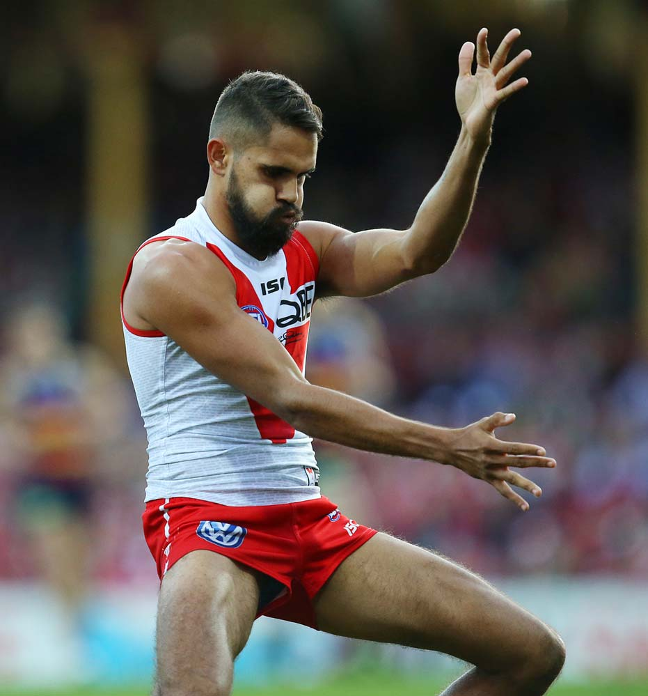 Sydney Swans' Lewis Jetta performs a dance in front of the crowd in 2015. David Moir/AAP