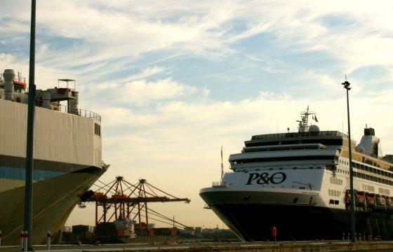po-pacific-eden-ships-in-fremantle-port