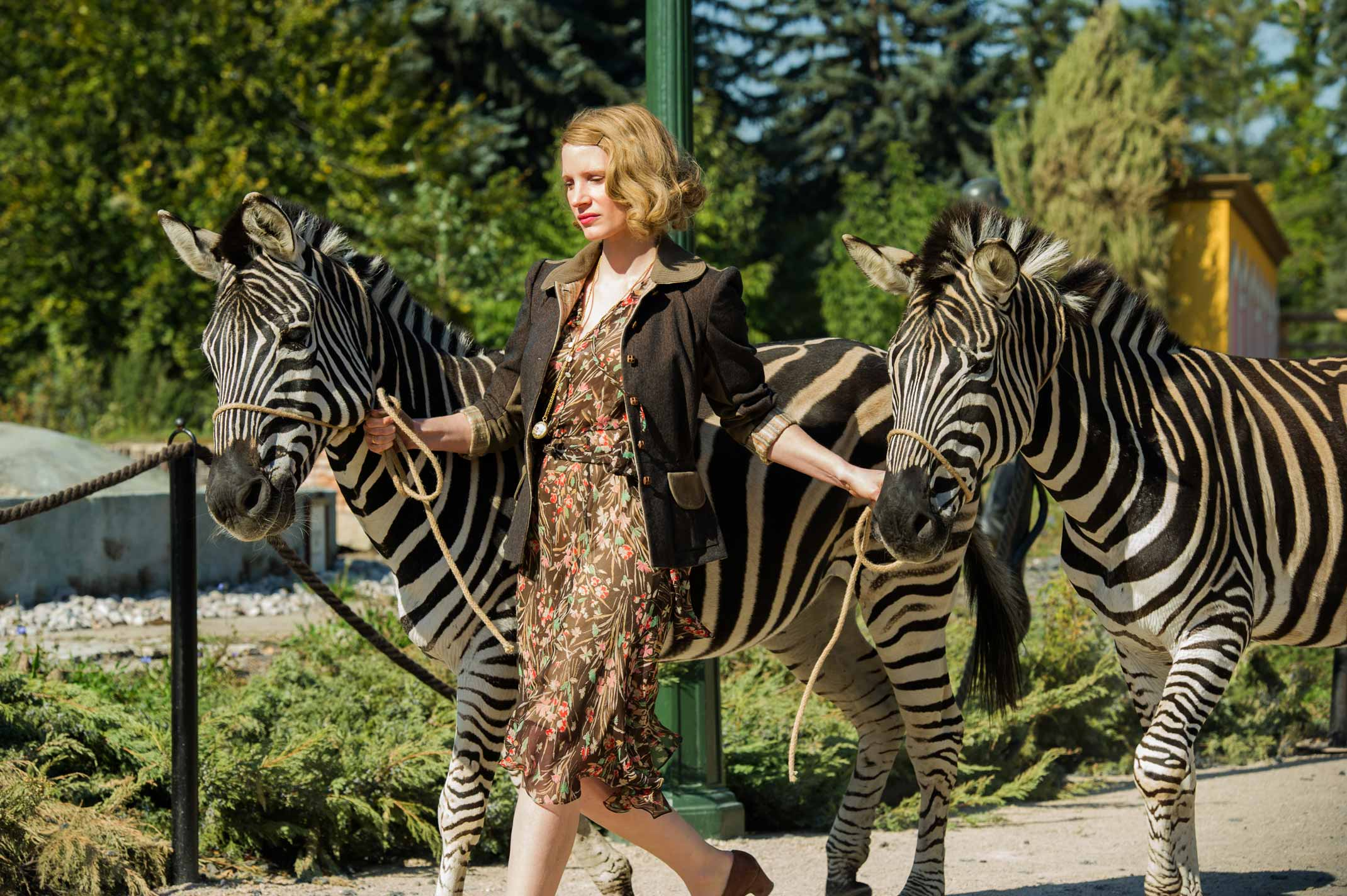 the-zookeepers-wife-jessica-chastain1-web