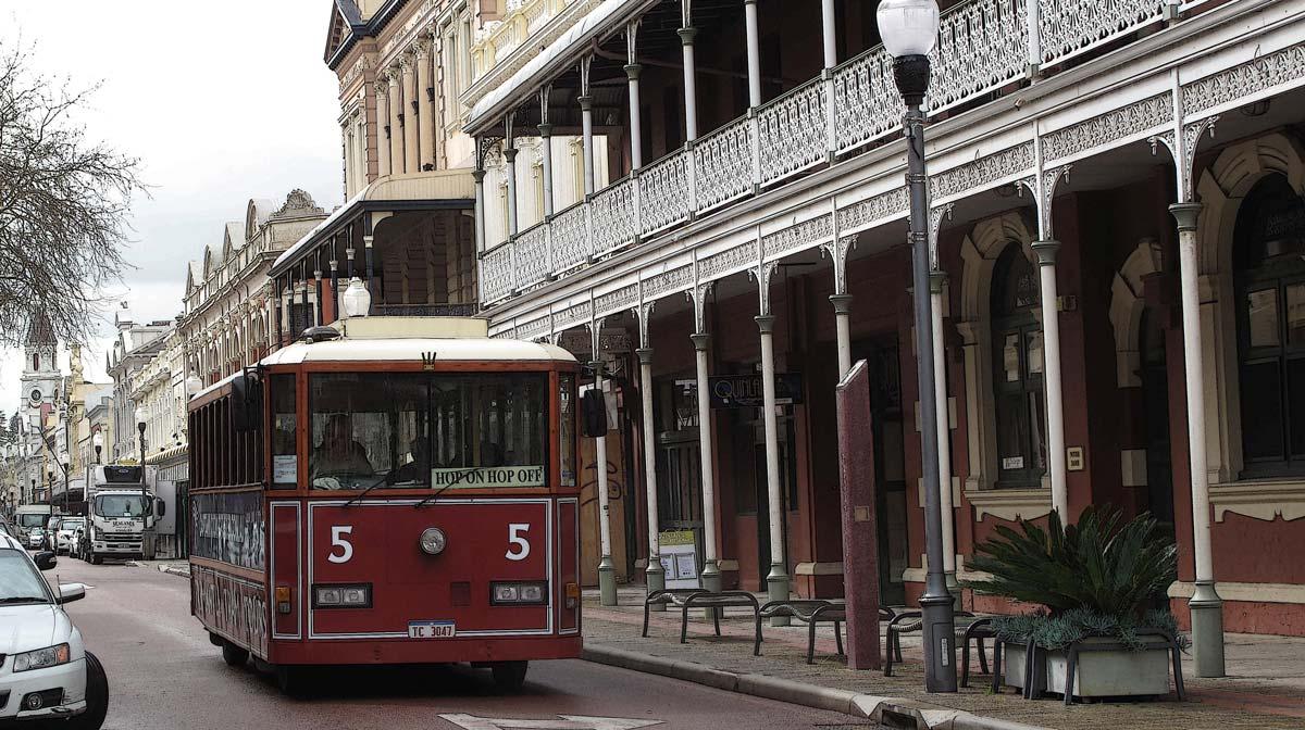 Fremantle-Tram-hidden-treasures-fremantle-shipping-news