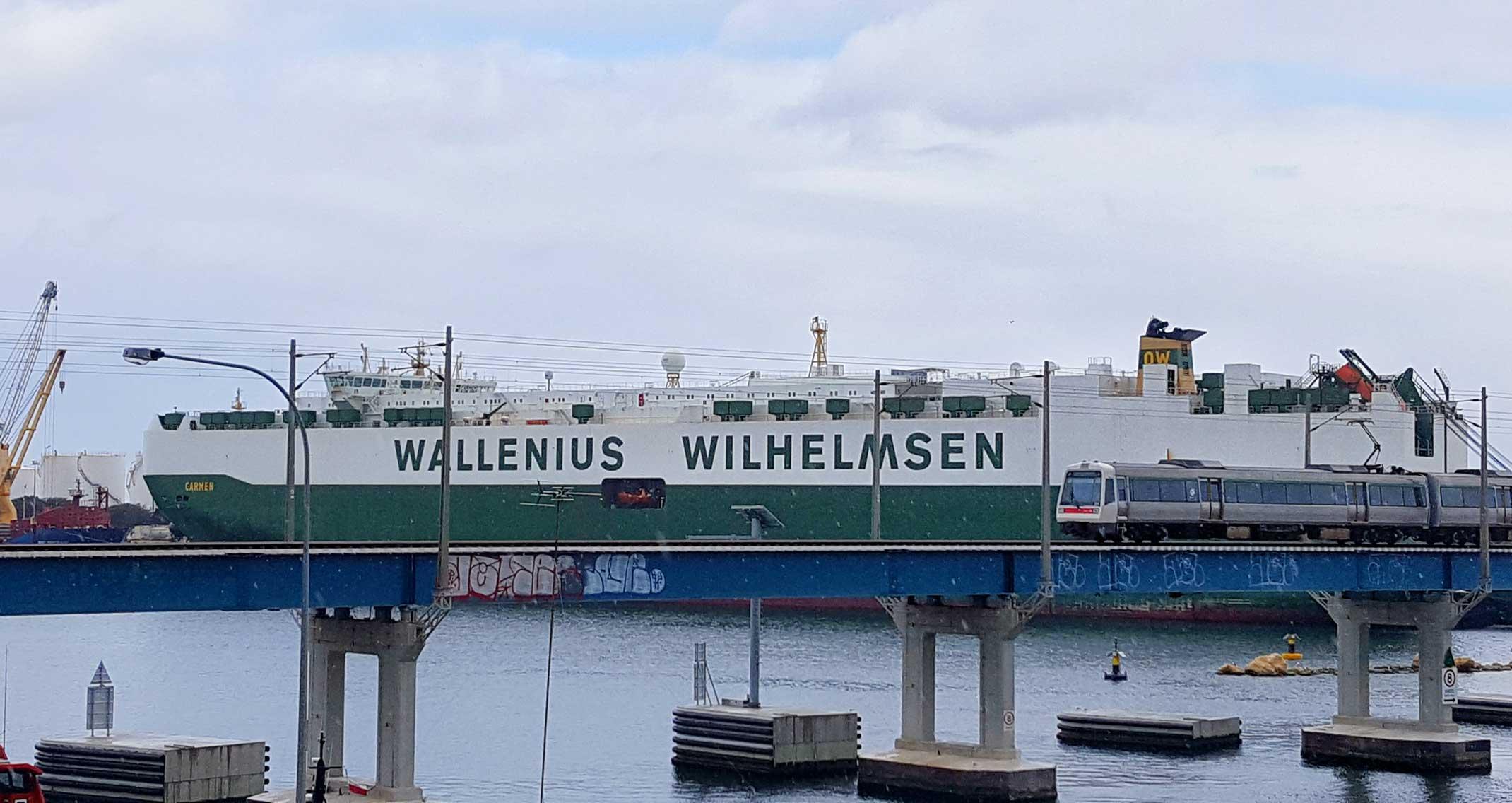 carmen-ship-sweden-fremantle-port