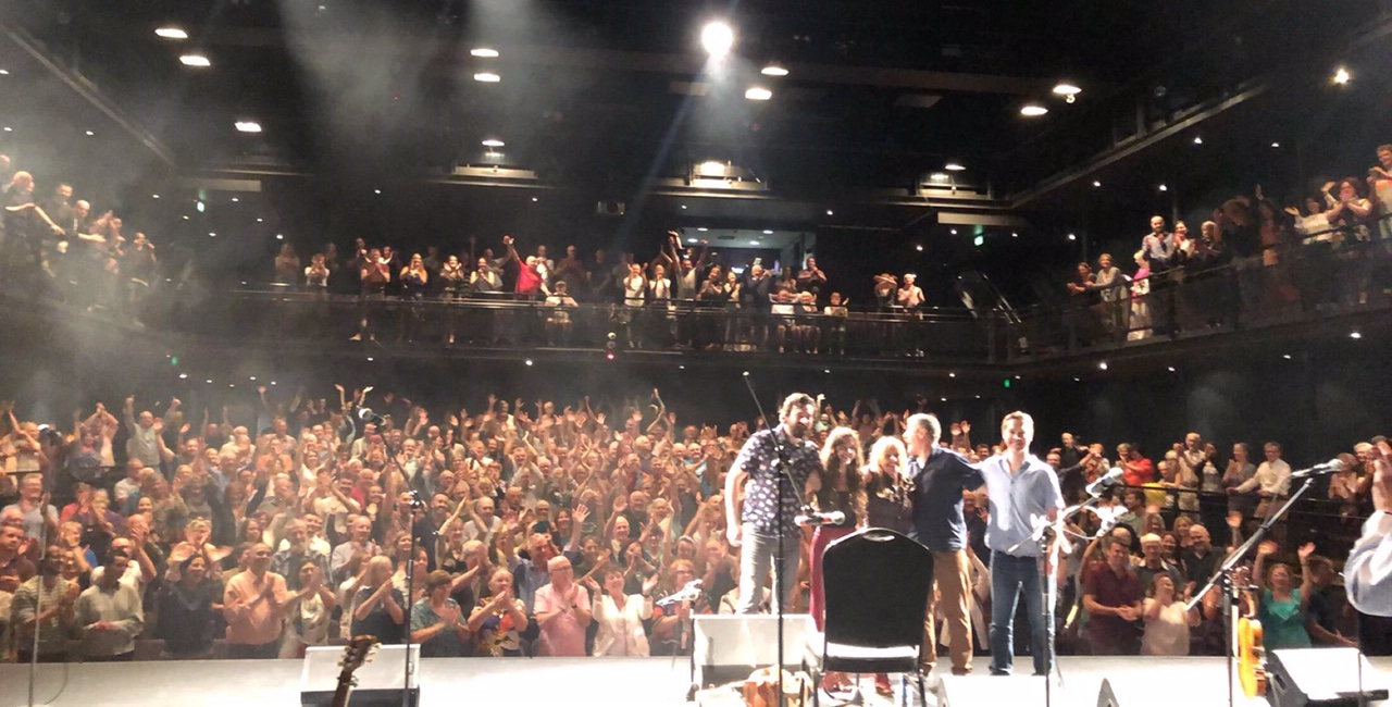 Sharon Shannon standing ovation at John Curtin