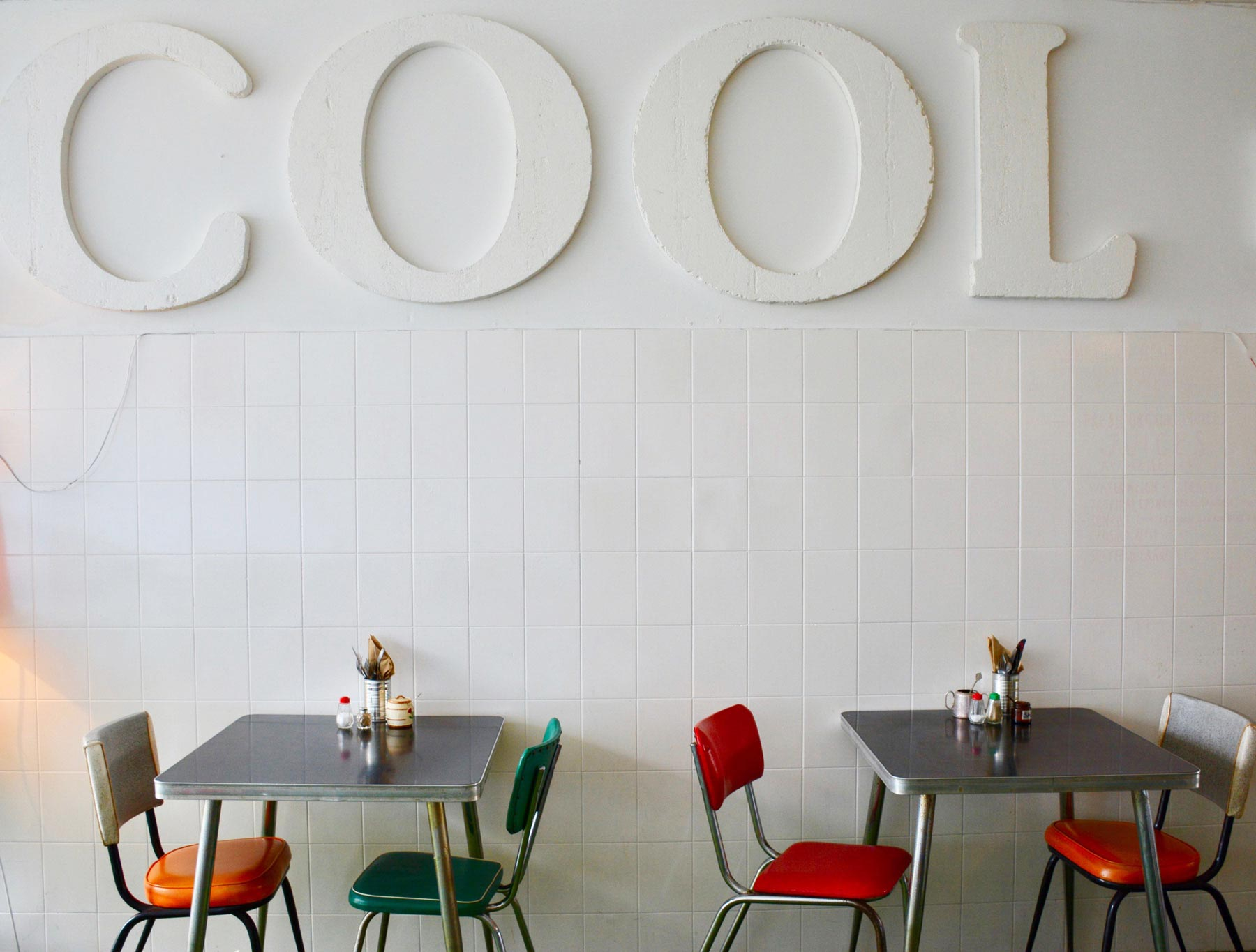 fremantle-cafe-shipping-news-bright