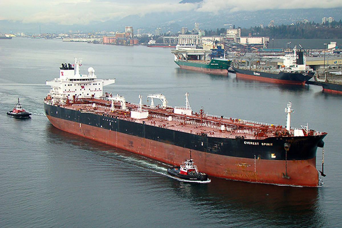17184579_web1_oil-tanker