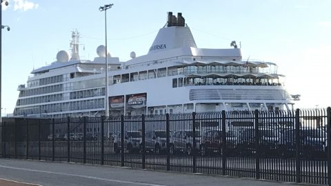 Silver Whisper – Tied up in Freo
