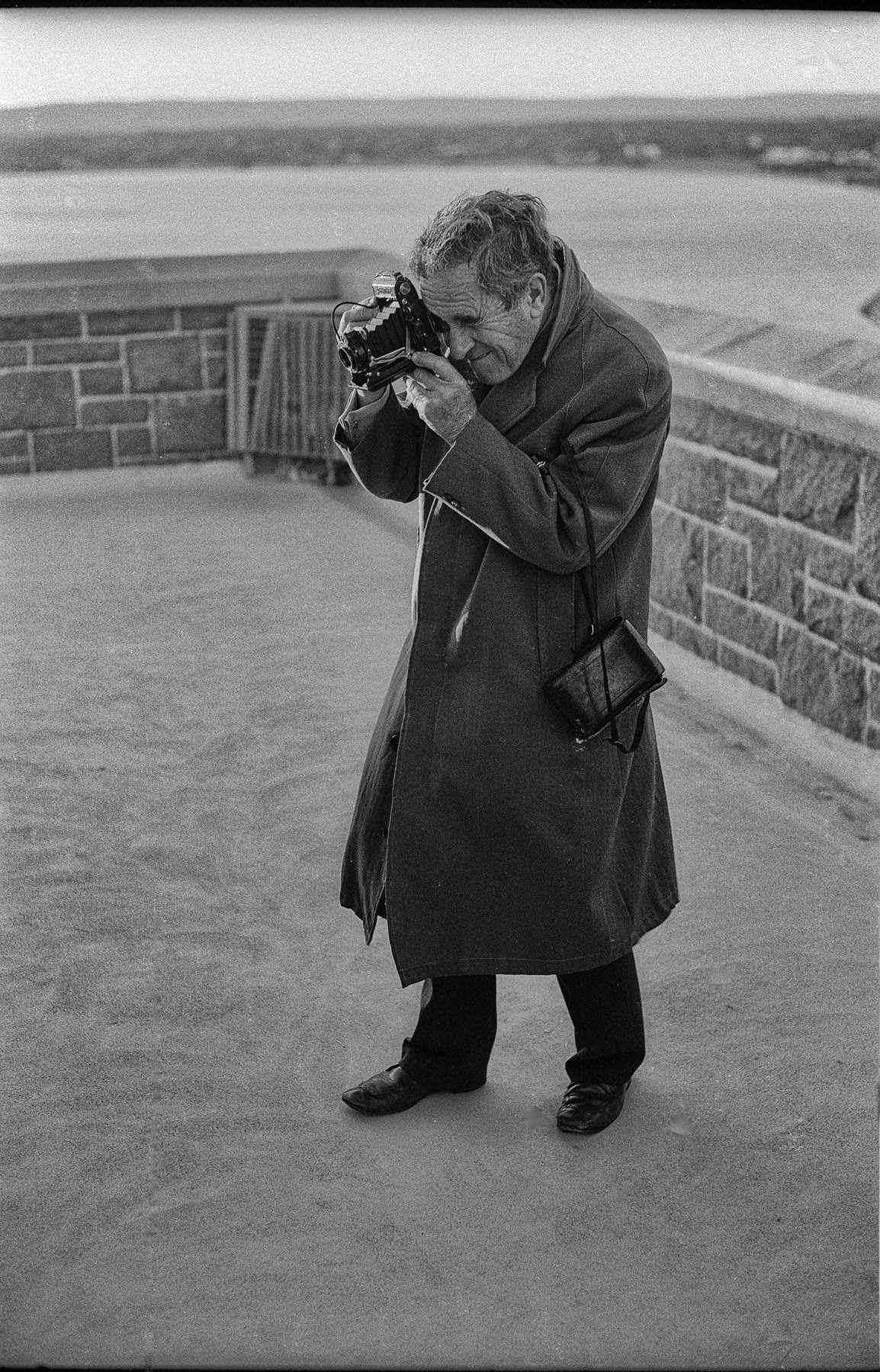 1977 PERTH ANZAC DAY PHOTOGRAPHER (1)