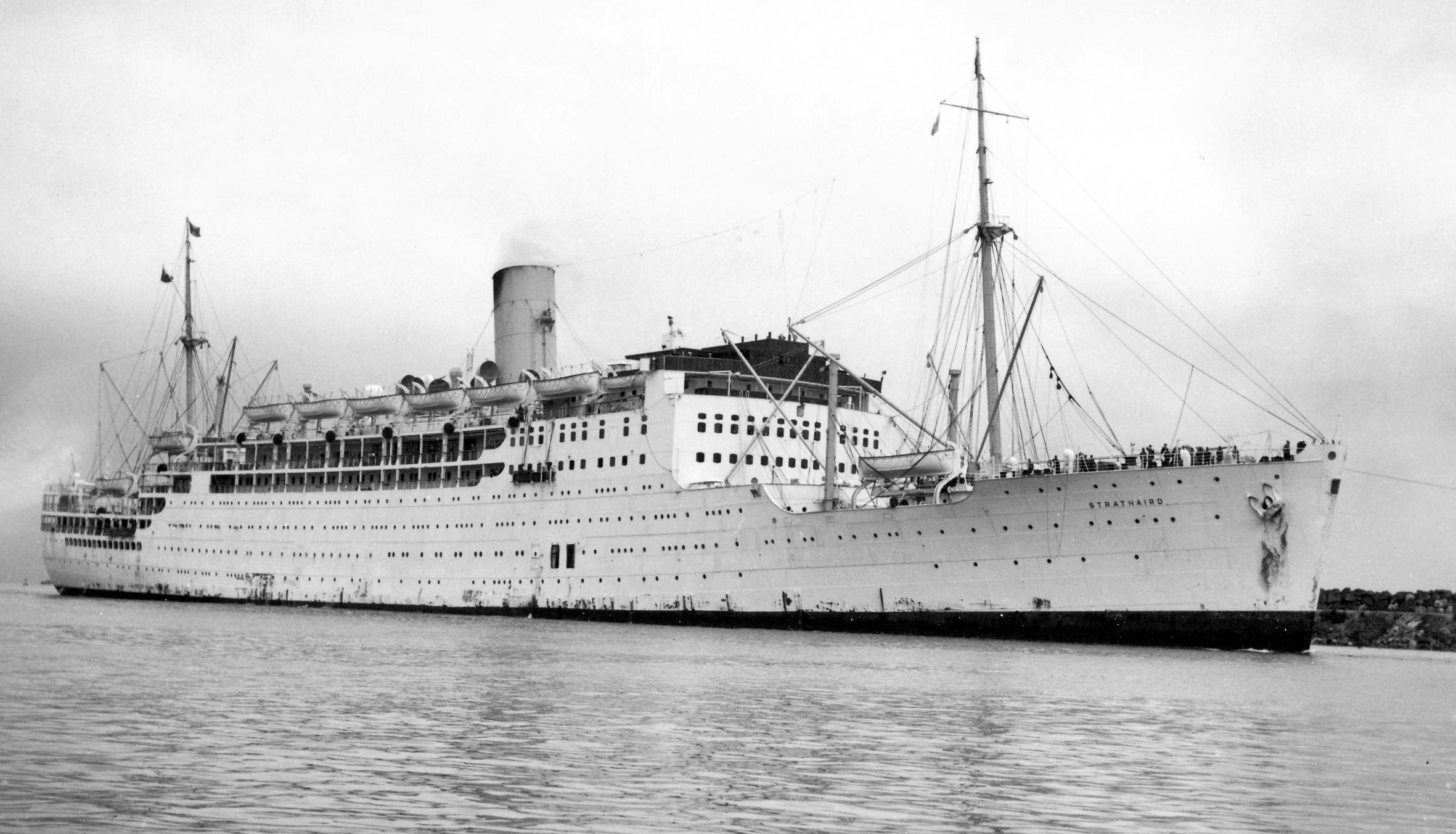 1948 - Strathaird arriving at Fremantle